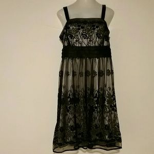 Woman's black dress 16W